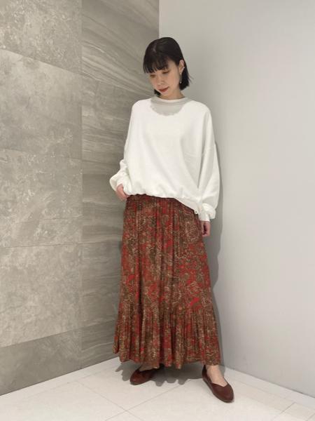 Rouge vif la cleのオリエンタルプリントスカートを使ったコーディネートを紹介します。 Rakuten Fashion(楽天ファッション/旧楽天ブランドアベニュー)1089973