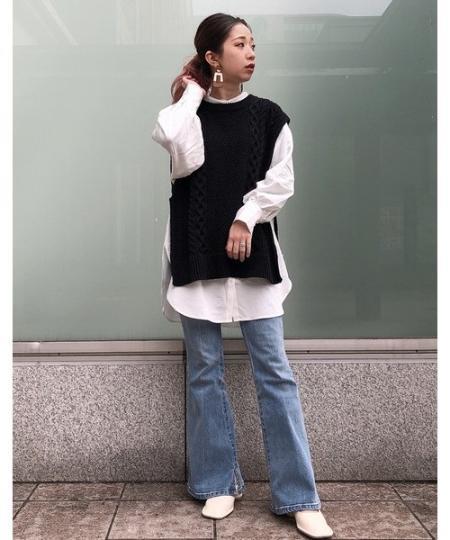 FREE'S MARTの◇<<Sシリーズ対応商品>>内スリットベルボトムデニムパンを使ったコーディネートを紹介します。|Rakuten Fashion(楽天ファッション/旧楽天ブランドアベニュー)1090225