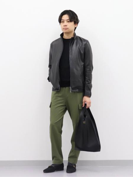 EDIFICEの16ゲージ クルーネック プルオーバーニットを使ったコーディネートを紹介します。|Rakuten Fashion(楽天ファッション/旧楽天ブランドアベニュー)1090524