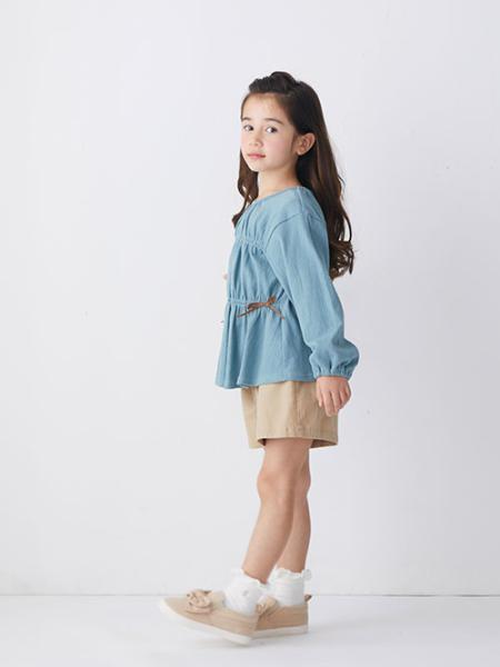 F.O.Online StoreのシャーリングチュニックTシャツを使ったコーディネートを紹介します。|Rakuten Fashion(楽天ファッション/旧楽天ブランドアベニュー)1091353