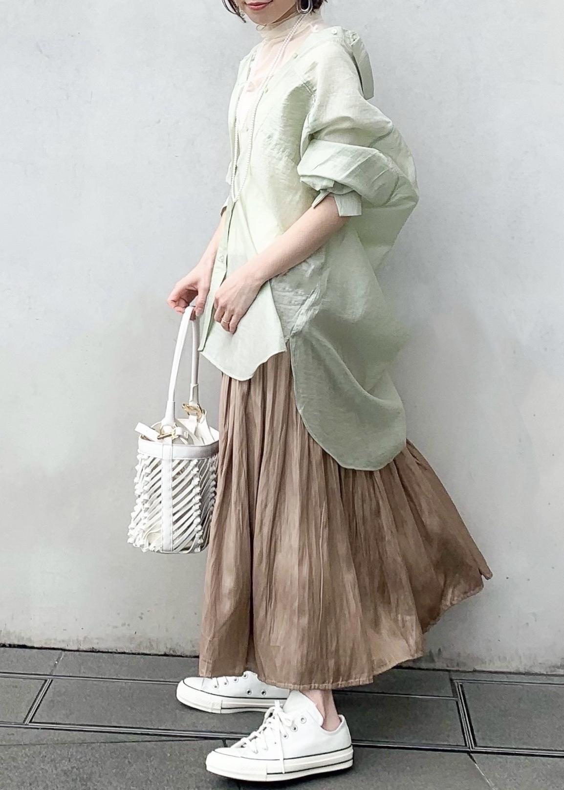 ViSのアソートシャイニースカートを使ったコーディネートを紹介します。|Rakuten Fashion(楽天ファッション/旧楽天ブランドアベニュー)1099630