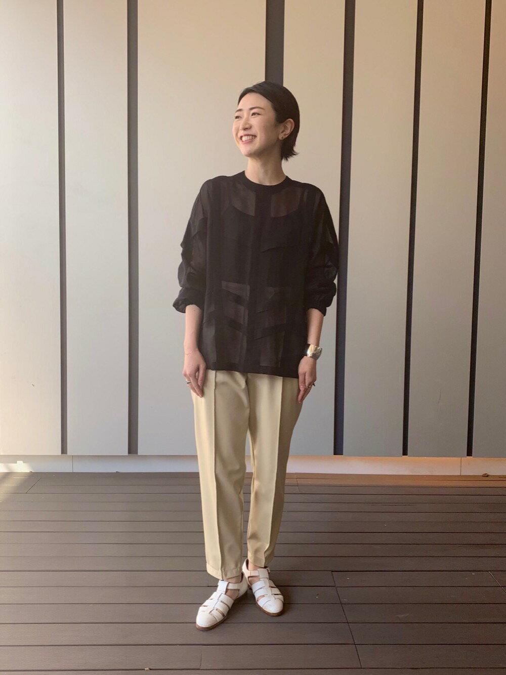 UNITED ARROWSの<LOEFF(ロエフ)> GVIL パネル ブラウスを使ったコーディネートを紹介します。|Rakuten Fashion(楽天ファッション/旧楽天ブランドアベニュー)1100220