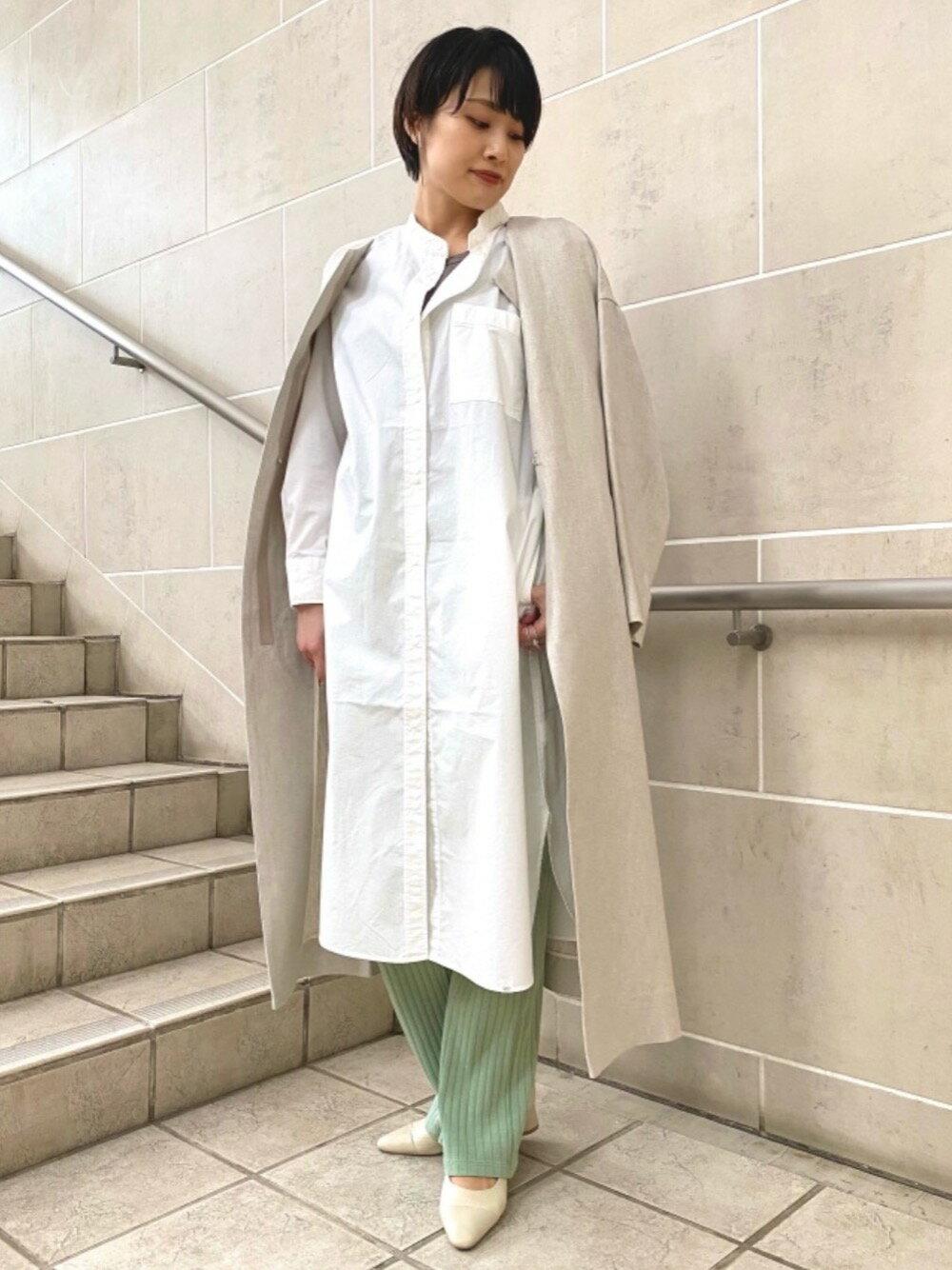 UNITED ARROWS green label relaxingのFM リネン ノーカラー コートを使ったコーディネートを紹介します。 Rakuten Fashion(楽天ファッション/旧楽天ブランドアベニュー)1100412