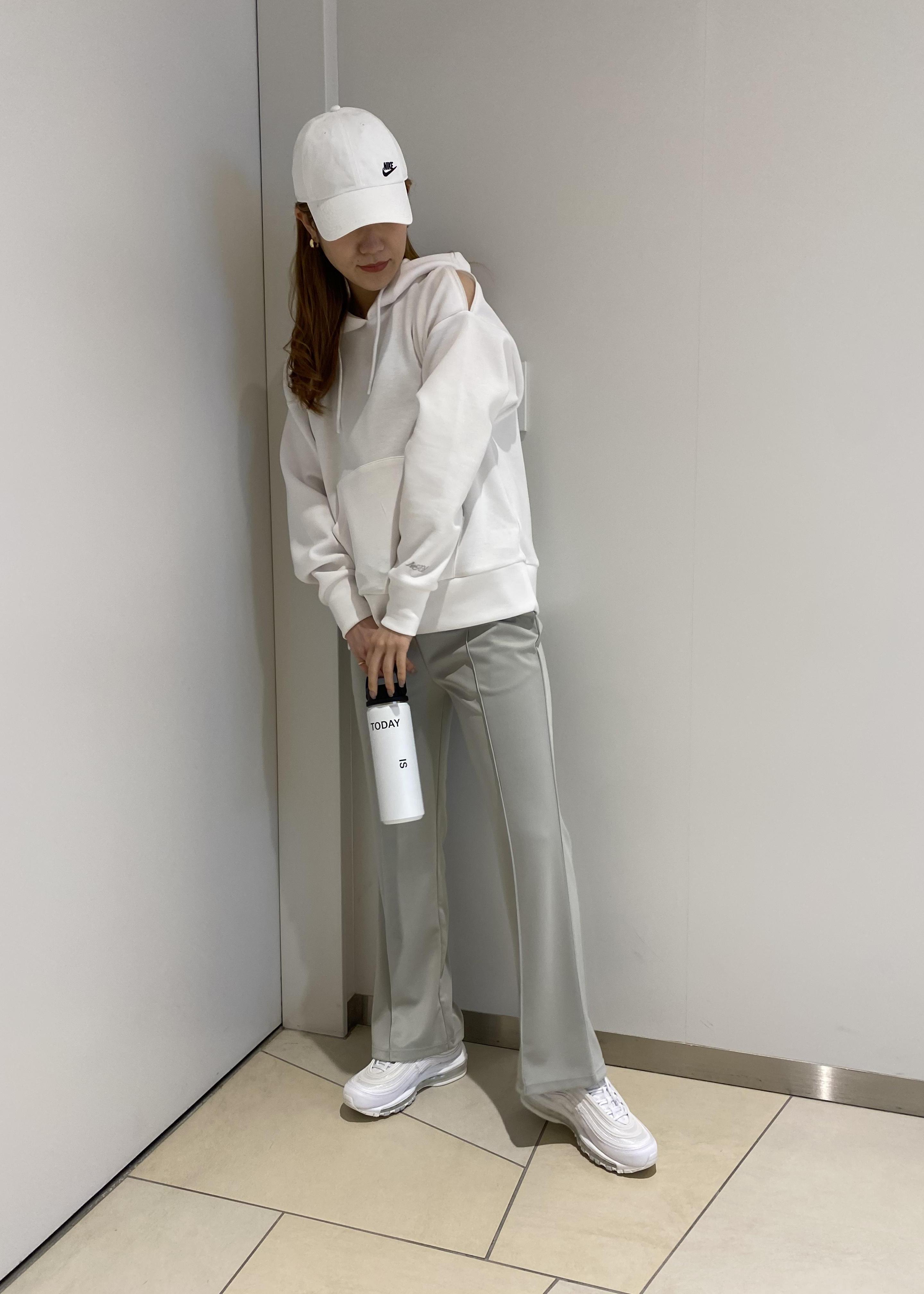 NERGYの【Athlounge】接触冷感&UV センタープレスパンツを使ったコーディネートを紹介します。|Rakuten Fashion(楽天ファッション/旧楽天ブランドアベニュー)1100722