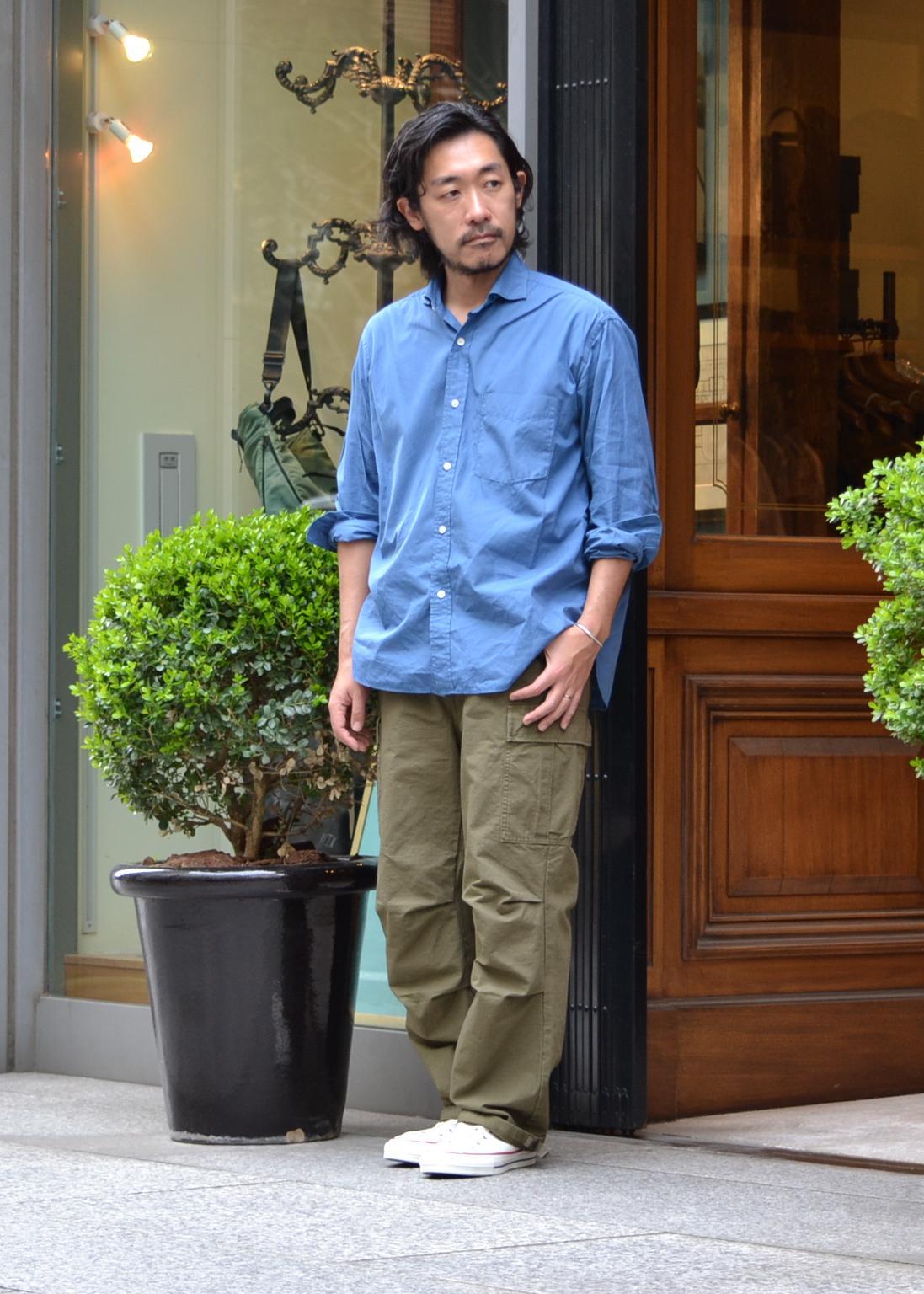 ADAM ET ROPE'の【WILD LIFE TAILOR】カーゴパンツを使ったコーディネートを紹介します。 Rakuten Fashion(楽天ファッション/旧楽天ブランドアベニュー)1101606