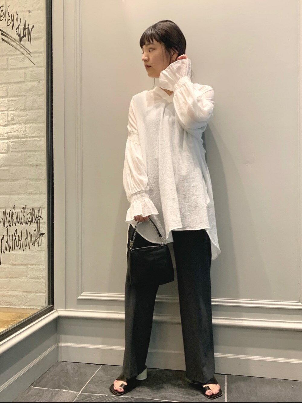 BEAUTY & YOUTH UNITED ARROWSのBY テレコリブワイドストラップタンクトップを使ったコーディネートを紹介します。 Rakuten Fashion(楽天ファッション/旧楽天ブランドアベニュー)1102529