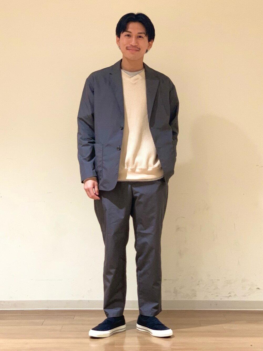 BEAUTY & YOUTH UNITED ARROWSのBY ウェルシー コットン ノープリーツ カームテーパード パンツ 【セットアップ対応】を使ったコーディネートを紹介します。 Rakuten Fashion(楽天ファッション/旧楽天ブランドアベニュー)1103825
