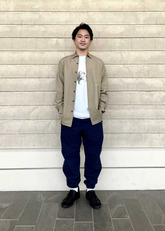ADAM ET ROPE'の【NIKKE】オーバーサイズドシャツを使ったコーディネートを紹介します。 Rakuten Fashion(楽天ファッション/旧楽天ブランドアベニュー)1104849