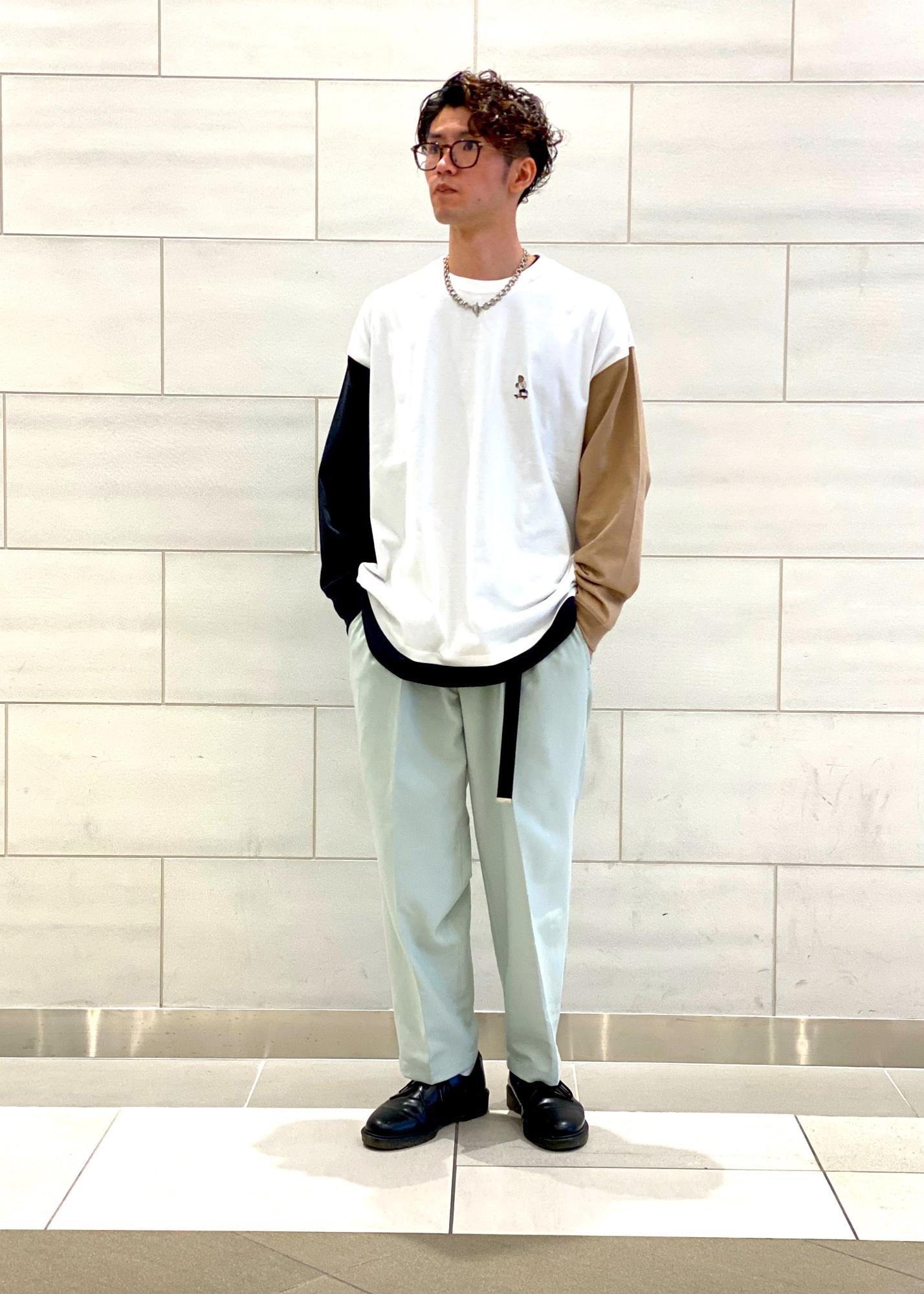 JUNRedのBEARバイカラーロンTを使ったコーディネートを紹介します。|Rakuten Fashion(楽天ファッション/旧楽天ブランドアベニュー)1094829