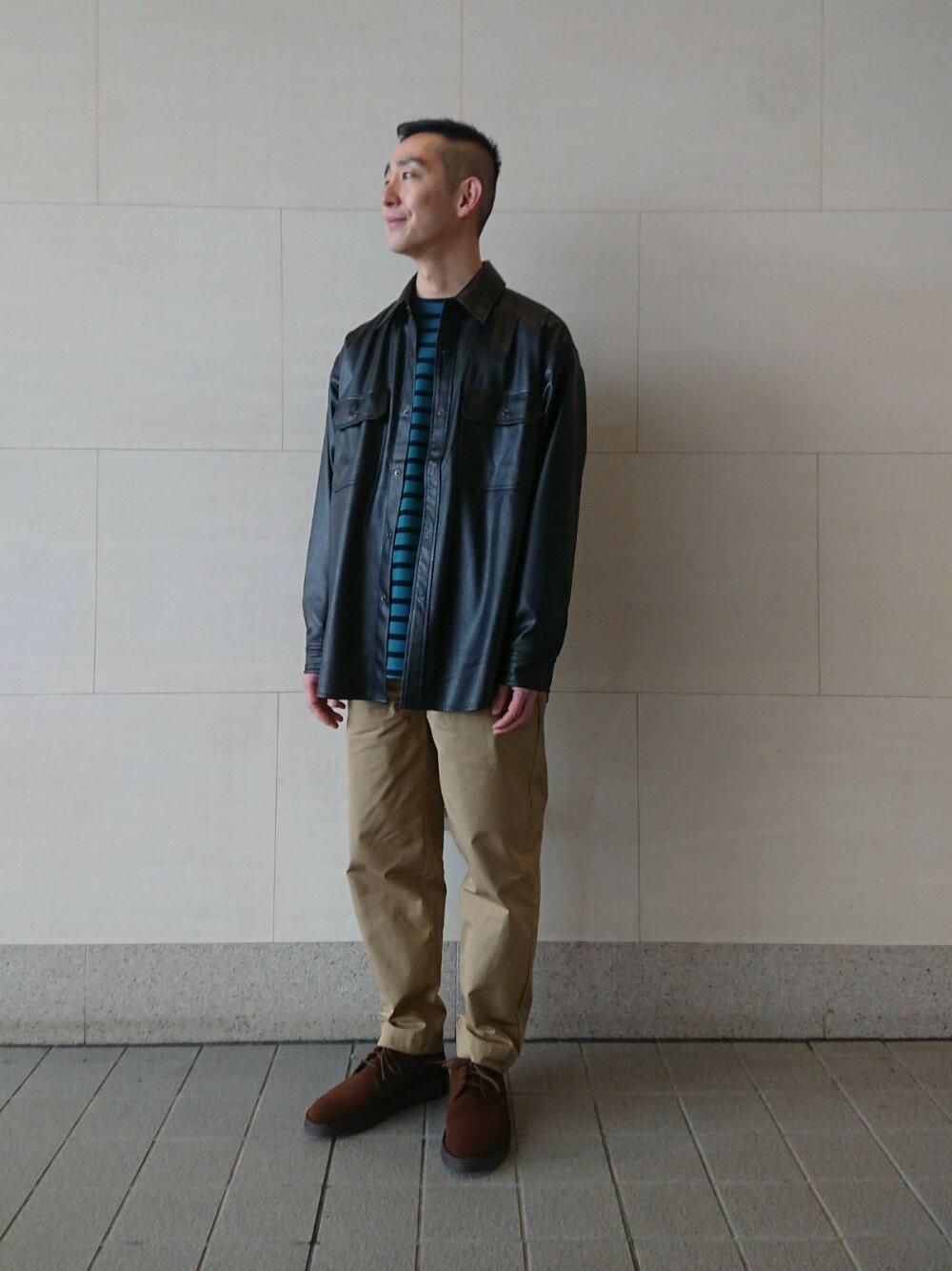 BEAUTY & YOUTH UNITED ARROWSのBY レザータッチ 2POC ビッグシルエット シャツを使ったコーディネートを紹介します。 Rakuten Fashion(楽天ファッション/旧楽天ブランドアベニュー)1095219