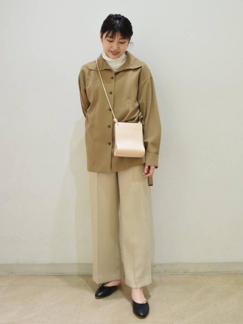BEAUTY & YOUTH UNITED ARROWSのBY レザースクエアベローズショルダーバッグを使ったコーディネートを紹介します。|Rakuten Fashion(楽天ファッション/旧楽天ブランドアベニュー)1095231
