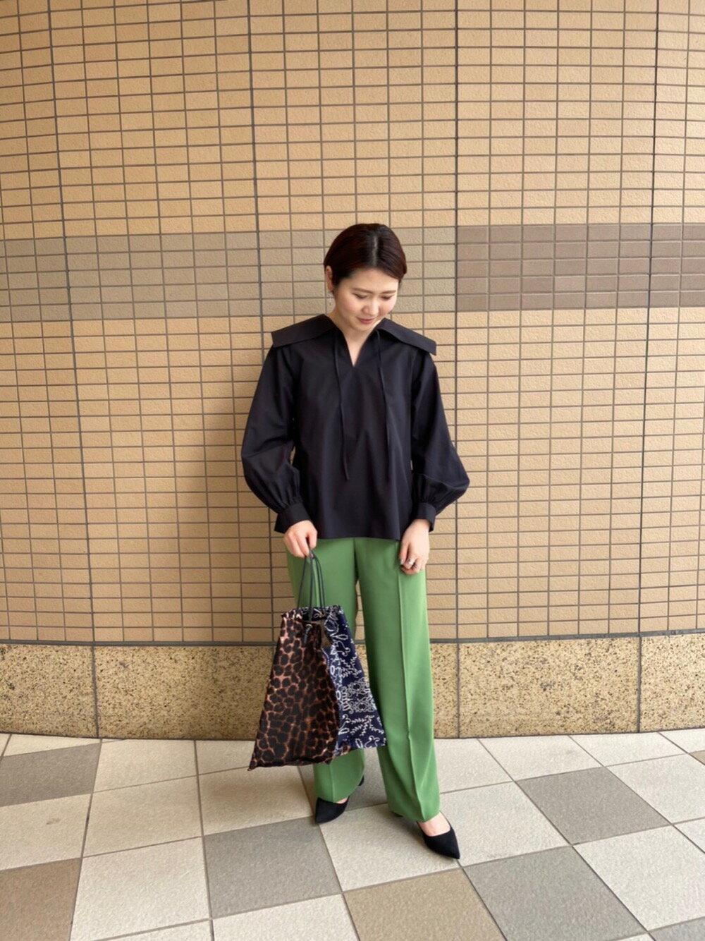 UNITED ARROWSのUWMSC バックストラップ タックパンツを使ったコーディネートを紹介します。|Rakuten Fashion(楽天ファッション/旧楽天ブランドアベニュー)1095986