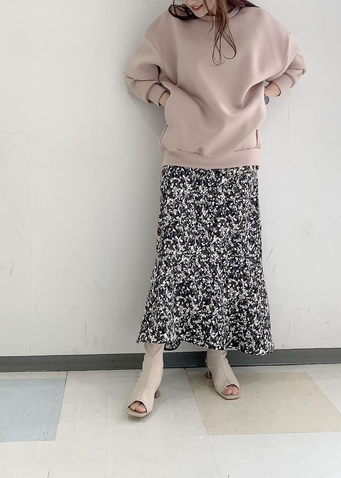 ViSのオープントゥニットクリアヒールブーツを使ったコーディネートを紹介します。|Rakuten Fashion(楽天ファッション/旧楽天ブランドアベニュー)1096526