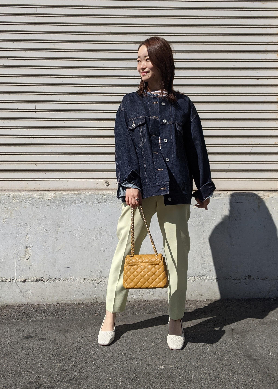 ROPE'のニュアンスカラーセンタープレステーパードパンツを使ったコーディネートを紹介します。|Rakuten Fashion(楽天ファッション/旧楽天ブランドアベニュー)1096750