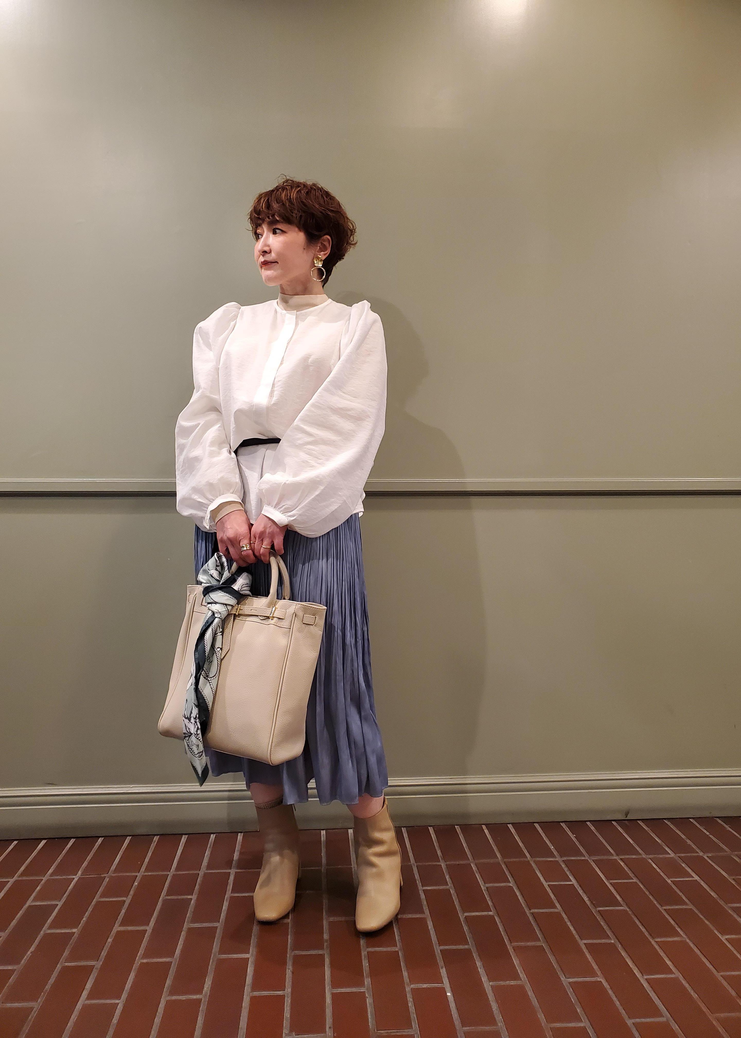 ROPE'の【21SS】リバイバル柄スカーフを使ったコーディネートを紹介します。|Rakuten Fashion(楽天ファッション/旧楽天ブランドアベニュー)1096727