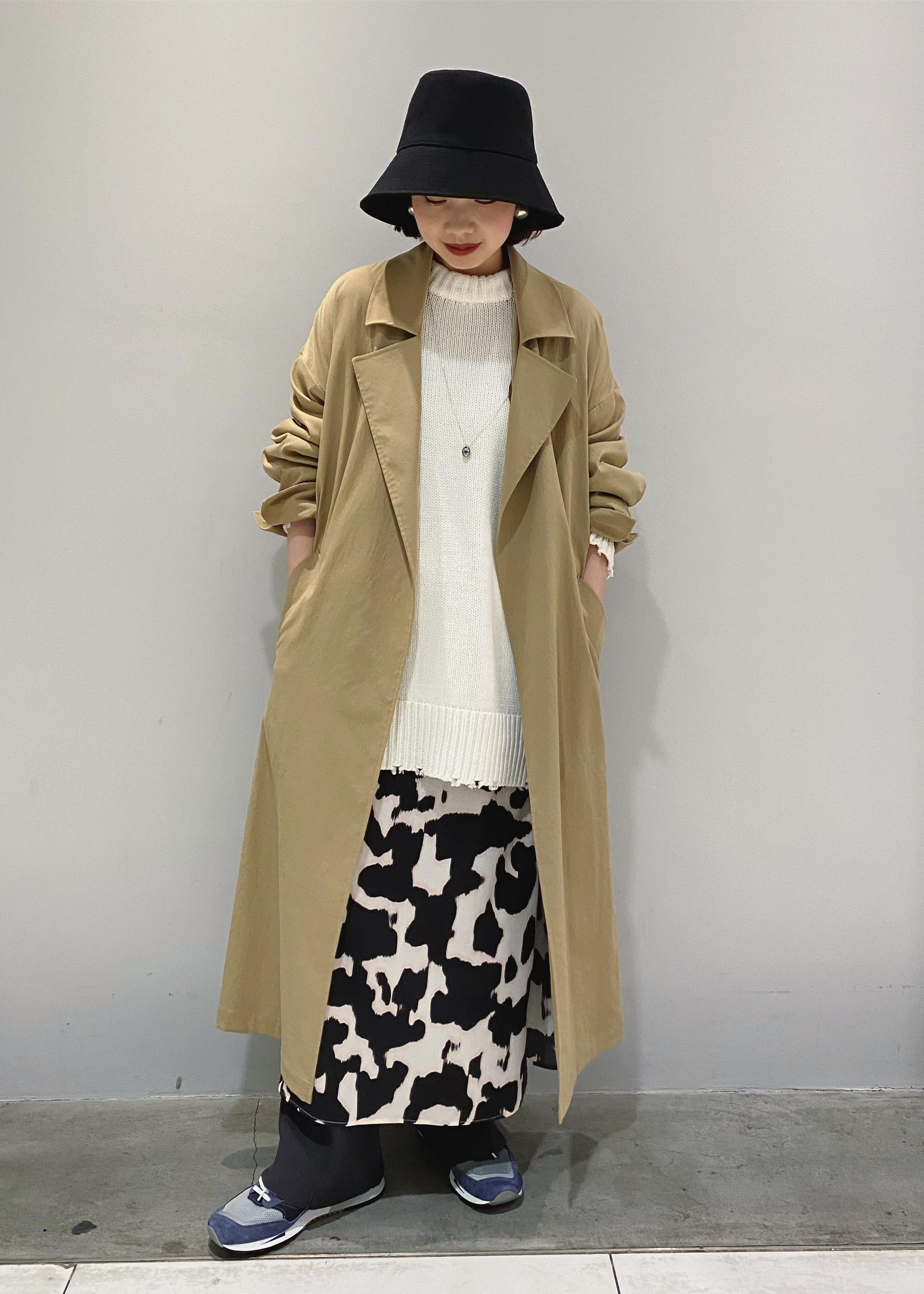 ADAM ET ROPE'のリラックストレンチコートを使ったコーディネートを紹介します。|Rakuten Fashion(楽天ファッション/旧楽天ブランドアベニュー)1097114