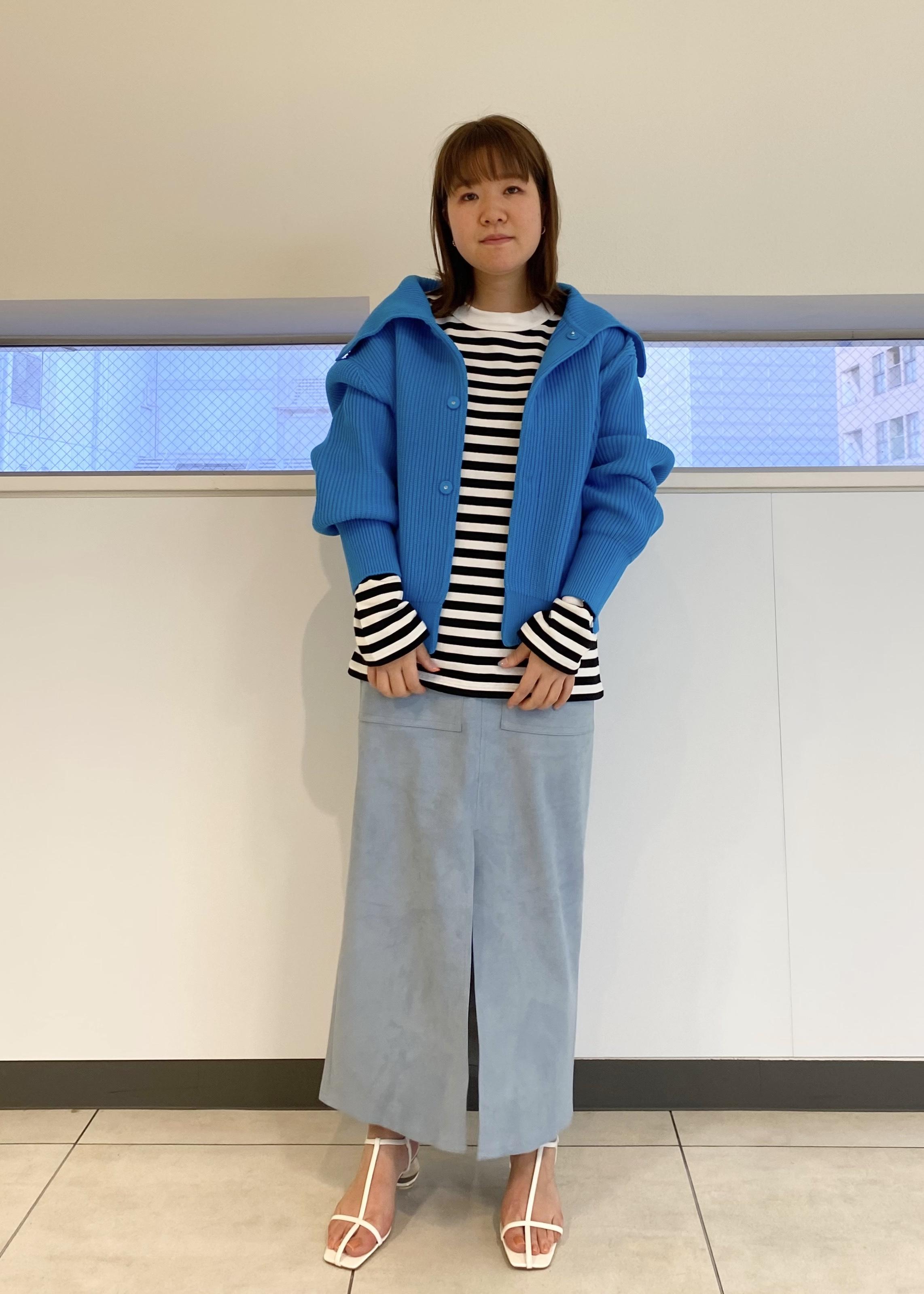 ADAM ET ROPE'のエコスエードスカートを使ったコーディネートを紹介します。|Rakuten Fashion(楽天ファッション/旧楽天ブランドアベニュー)1097304