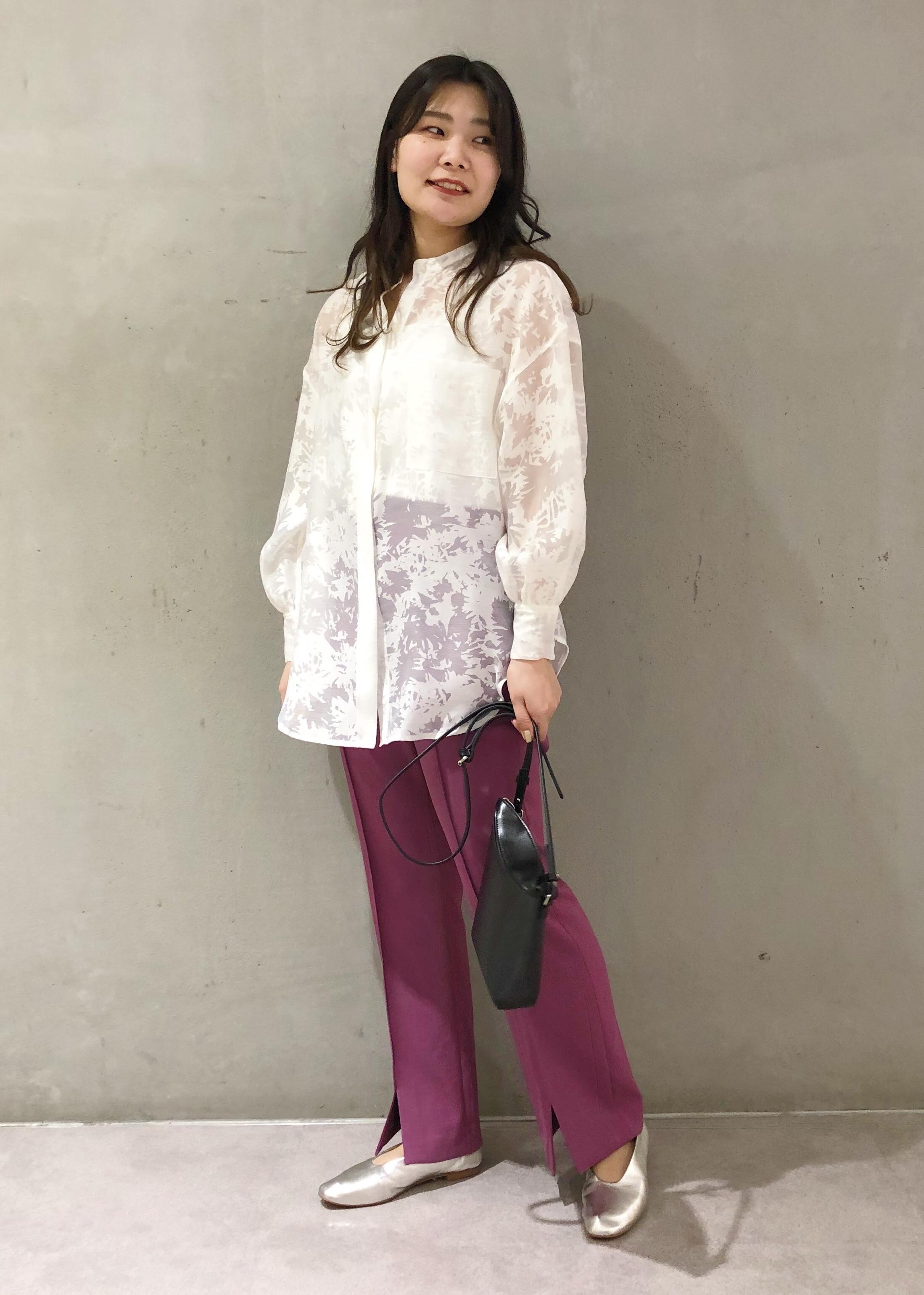 ROPE'の【新色追加】【洗える】センタースリットコンフォートパンツを使ったコーディネートを紹介します。|Rakuten Fashion(楽天ファッション/旧楽天ブランドアベニュー)1097662