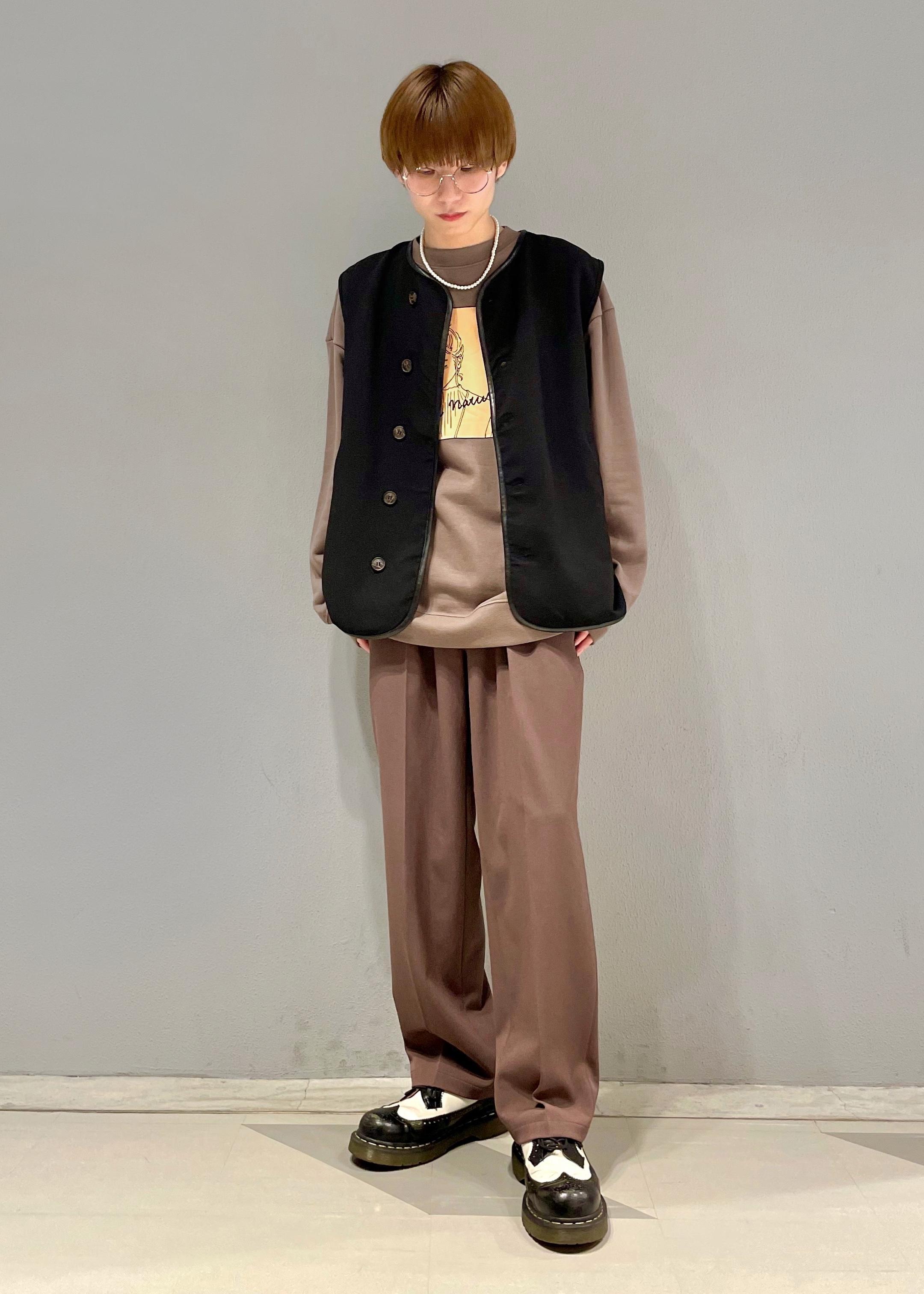 JUNRedのグラフィックスウェットモックネックを使ったコーディネートを紹介します。|Rakuten Fashion(楽天ファッション/旧楽天ブランドアベニュー)1097849