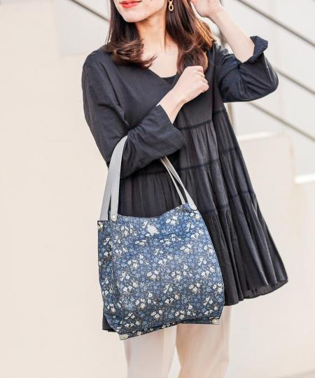 russetの<WEB限定>LIBERTY FABRICたためるバッグ(CE-825-WEB)を使ったコーディネートを紹介します。 Rakuten Fashion(楽天ファッション/旧楽天ブランドアベニュー)1093561