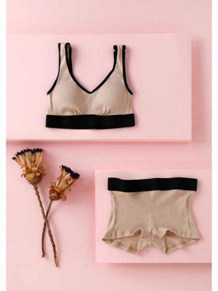 Chut! INTIMATESの【天然繊維100%】 コットンシルク ボクサーショーツ (C165)を使ったコーディネートを紹介します。|Rakuten Fashion(楽天ファッション/旧楽天ブランドアベニュー)1093801