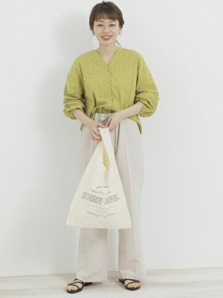 Sonny Labelの【予約】【WEB限定】カットワークレースブラウスを使ったコーディネートを紹介します。|Rakuten Fashion(楽天ファッション/旧楽天ブランドアベニュー)1095162