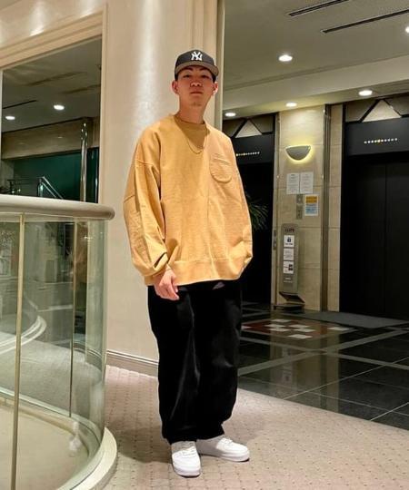 BEAMS TのEVISEN SKATEBOARDS / EVISEN SKATEBOARDS × HOLE AND HOLLAND クルーネック スウェットを使ったコーディネートを紹介します。|Rakuten Fashion(楽天ファッション/旧楽天ブランドアベニュー)1096453