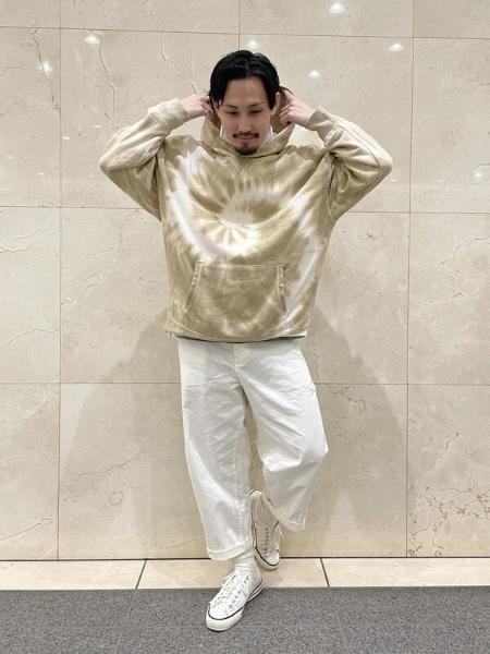 GAPのタイダイ柄 カーボナイズドフリース フーディーを使ったコーディネートを紹介します。|Rakuten Fashion(楽天ファッション/旧楽天ブランドアベニュー)1098838