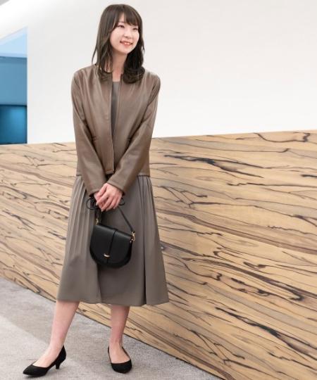 NATURAL BEAUTY BASICの[洗える]サイドプリーツワンピースを使ったコーディネートを紹介します。|Rakuten Fashion(楽天ファッション/旧楽天ブランドアベニュー)1098868