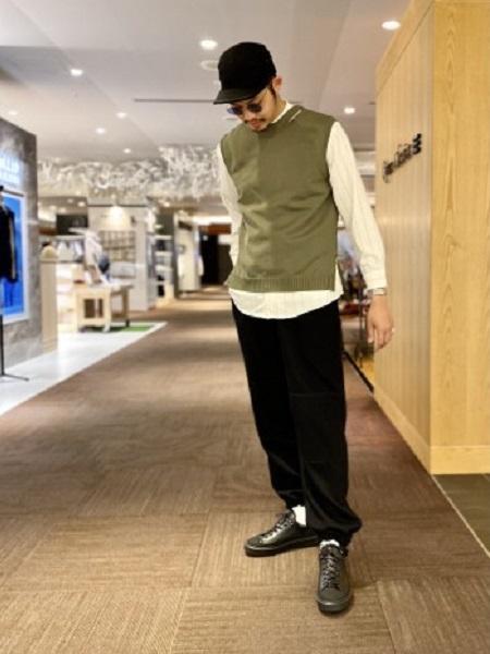 ABAHOUSEのハイストレッチ  PE天竺  ニットベストを使ったコーディネートを紹介します。|Rakuten Fashion(楽天ファッション/旧楽天ブランドアベニュー)1099042