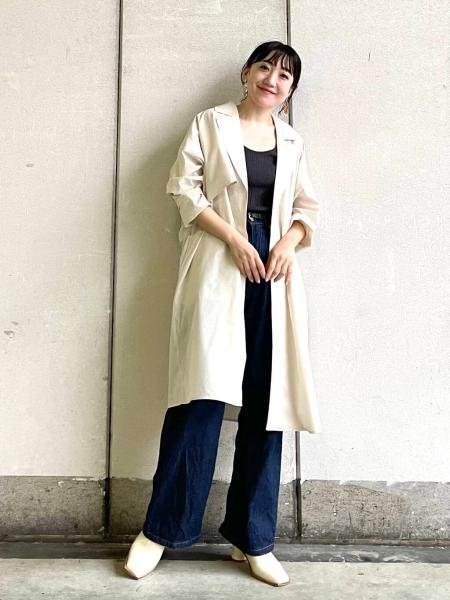 KBFのテーラードライトコートを使ったコーディネートを紹介します。|Rakuten Fashion(楽天ファッション/旧楽天ブランドアベニュー)1101716