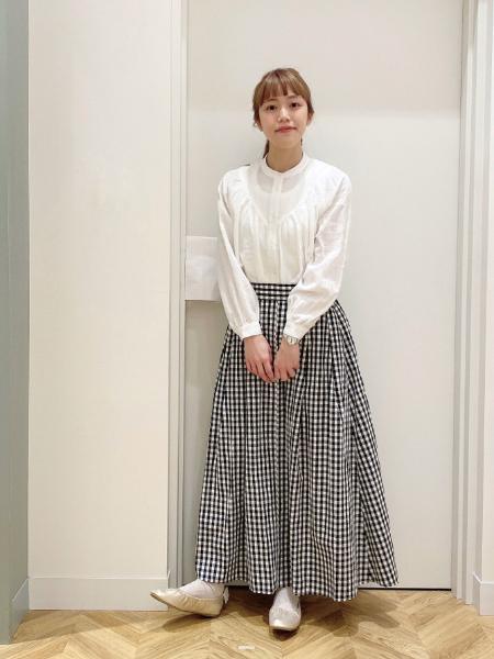 studio CLIPのアソートフレアマキシスカートを使ったコーディネートを紹介します。 Rakuten Fashion(楽天ファッション/旧楽天ブランドアベニュー)1101825