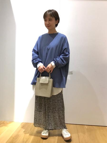 LAKOLEの(W)SUPER BIG TEEを使ったコーディネートを紹介します。|Rakuten Fashion(楽天ファッション/旧楽天ブランドアベニュー)1101971