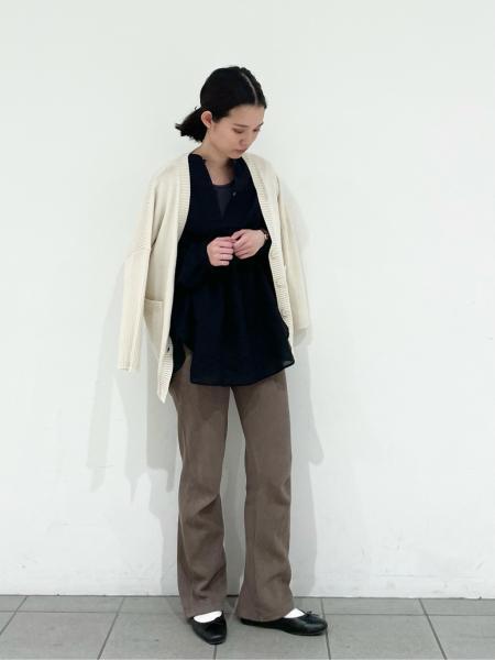 LAKOLEの(W)CドビークリンクルタックBLを使ったコーディネートを紹介します。 Rakuten Fashion(楽天ファッション/旧楽天ブランドアベニュー)1102011