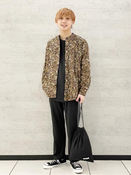 JOURNAL STANDARDの【シャツ+パンツ+巾着袋3点セット】スプリング ホームウェアセットアップを使ったコーディネートを紹介します。|Rakuten Fashion(楽天ファッション/旧楽天ブランドアベニュー)1102043