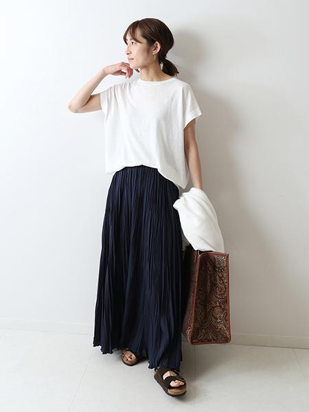 FRAMeWORKの<<予約>>エアリープリーツスカート◆を使ったコーディネートを紹介します。|Rakuten Fashion(楽天ファッション/旧楽天ブランドアベニュー)1102305