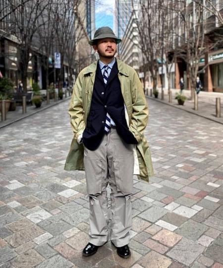 BEAMS MENのBEAMS PLUS / シャンブレー ミリタリー ジップ トラウザーズを使ったコーディネートを紹介します。|Rakuten Fashion(楽天ファッション/旧楽天ブランドアベニュー)1104664