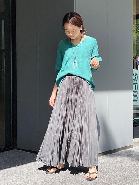 FRAMeWORKの【ADAWATN TUAREG】ZEZI ネックレスを使ったコーディネートを紹介します。|Rakuten Fashion(楽天ファッション/旧楽天ブランドアベニュー)1105210