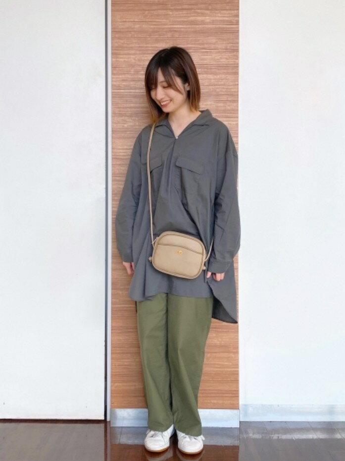 coenのUSAコットンワイドベイカーパンツ#を使ったコーディネートを紹介します。|Rakuten Fashion(楽天ファッション/旧楽天ブランドアベニュー)1106354