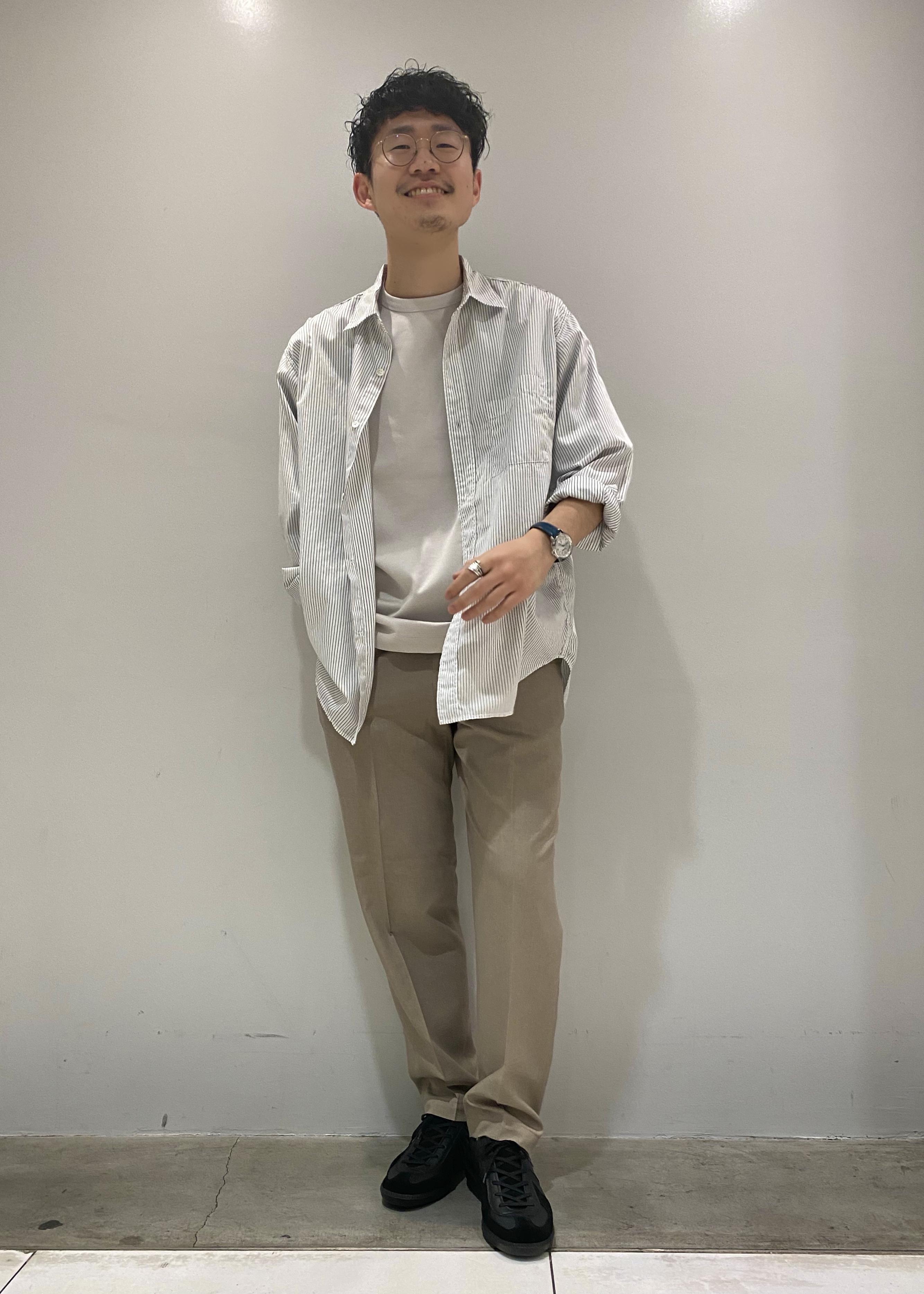 ADAM ET ROPE'の【WILD LIFE TAILOR】ワッシャードレスシャツL/Sを使ったコーディネートを紹介します。 Rakuten Fashion(楽天ファッション/旧楽天ブランドアベニュー)1108769