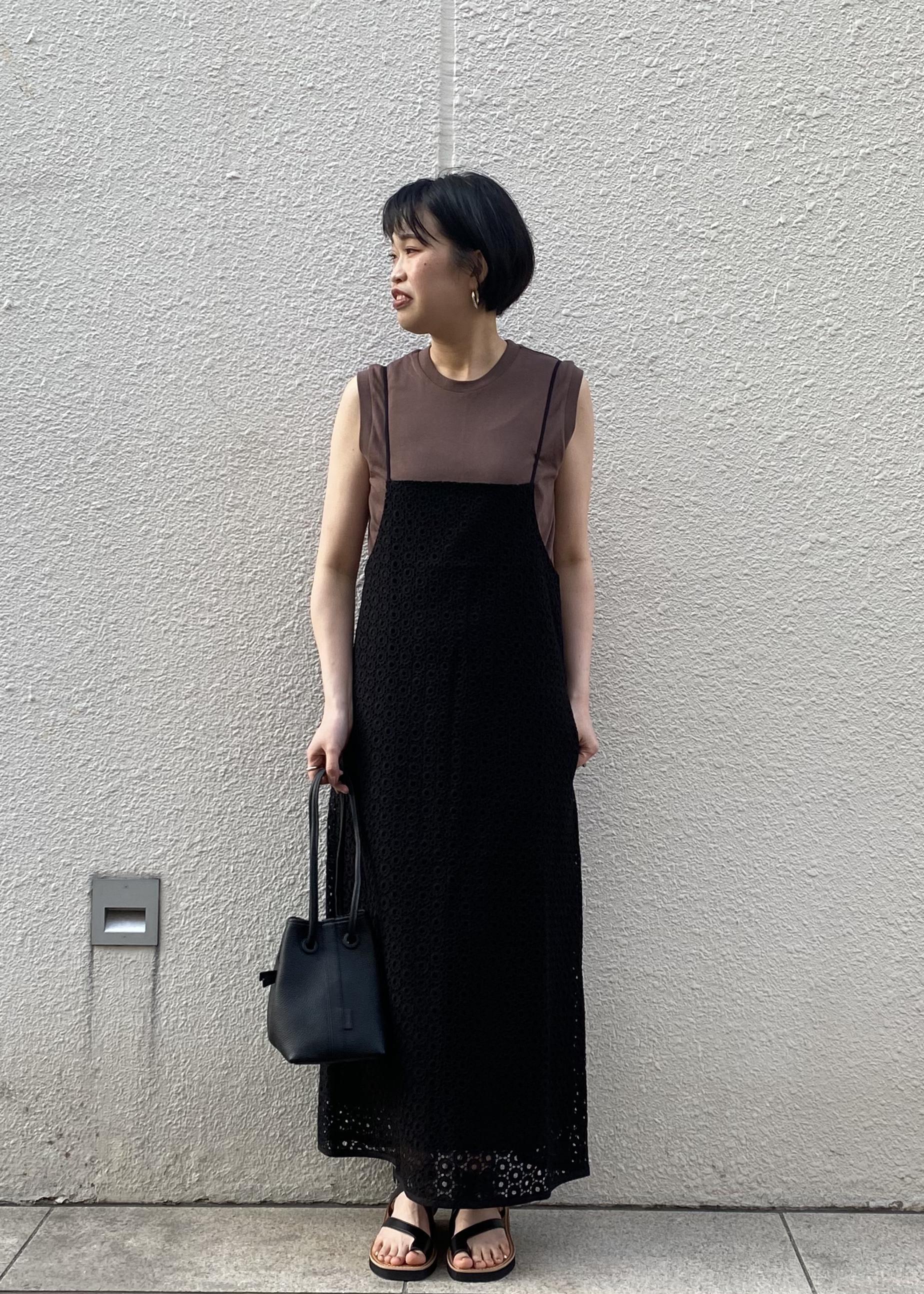 ADAM ET ROPE'の【missing you already】EYELET STRING DRESSを使ったコーディネートを紹介します。|Rakuten Fashion(楽天ファッション/旧楽天ブランドアベニュー)1110355