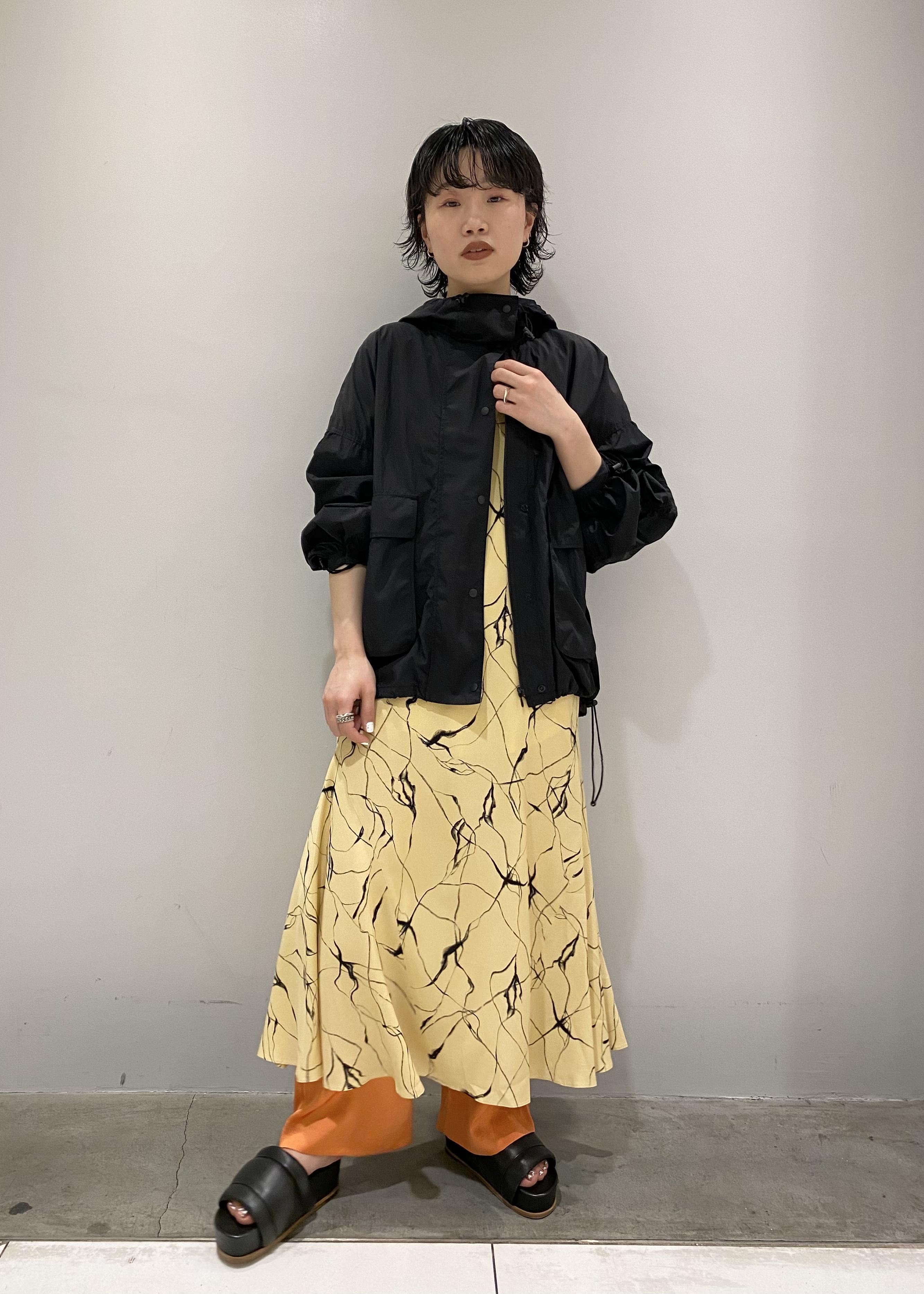 ADAM ET ROPE'の【SETアイテム】レース付サテンパンツを使ったコーディネートを紹介します。|Rakuten Fashion(楽天ファッション/旧楽天ブランドアベニュー)1110378