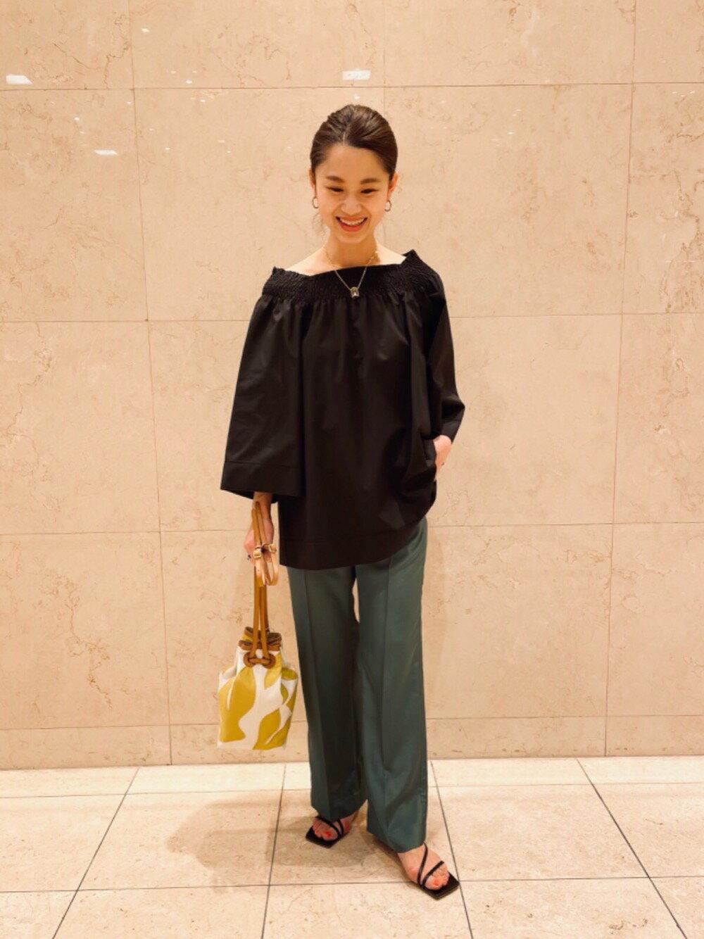 UNITED ARROWSのUBCC ステッチ ストレートパンツを使ったコーディネートを紹介します。|Rakuten Fashion(楽天ファッション/旧楽天ブランドアベニュー)1114370