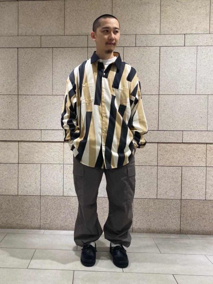 BEAUTY & YOUTH UNITED ARROWSのBY DULL PE 6POC カーゴパンツを使ったコーディネートを紹介します。|Rakuten Fashion(楽天ファッション/旧楽天ブランドアベニュー)1114788