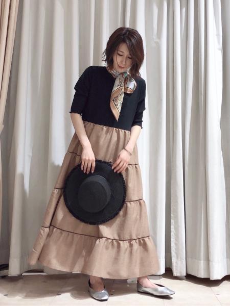 Bou Jeloudの【WEB限定】メローカットトップスドッキングティアードワンピースを使ったコーディネートを紹介します。|Rakuten Fashion(楽天ファッション/旧楽天ブランドアベニュー)1105602