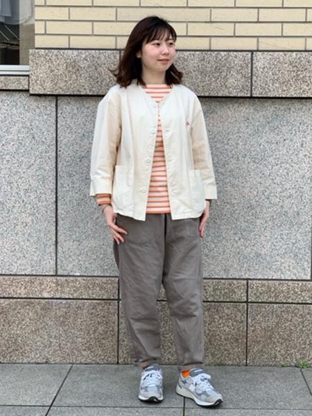 Bshopの【DANTON】カツラギ イージーパンツ KWL WOMENを使ったコーディネートを紹介します。|Rakuten Fashion(楽天ファッション/旧楽天ブランドアベニュー)1106734