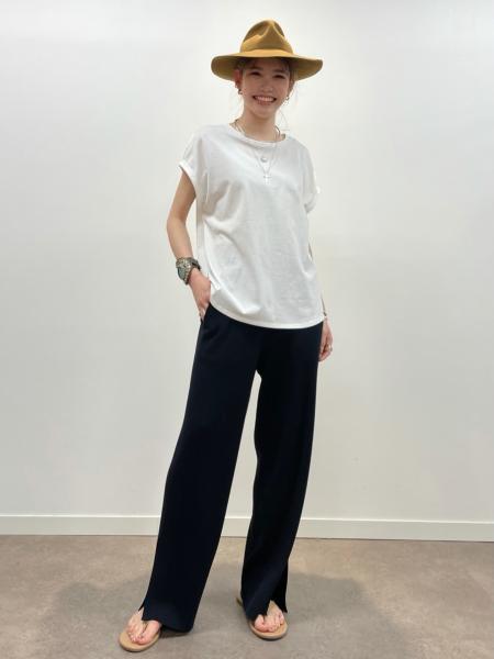 BABYLONEのターンバックスリーブTシャツを使ったコーディネートを紹介します。|Rakuten Fashion(楽天ファッション/旧楽天ブランドアベニュー)1107416
