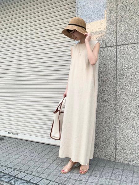 URBAN RESEARCHの麻混ストレートロングワンピースを使ったコーディネートを紹介します。 Rakuten Fashion(楽天ファッション/旧楽天ブランドアベニュー)1107419