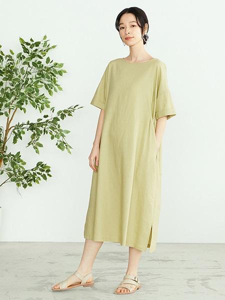 COMME CA ISMの【一部店舗限定】 フェイクレザー フラットサンダルを使ったコーディネートを紹介します。|Rakuten Fashion(楽天ファッション/旧楽天ブランドアベニュー)1108517