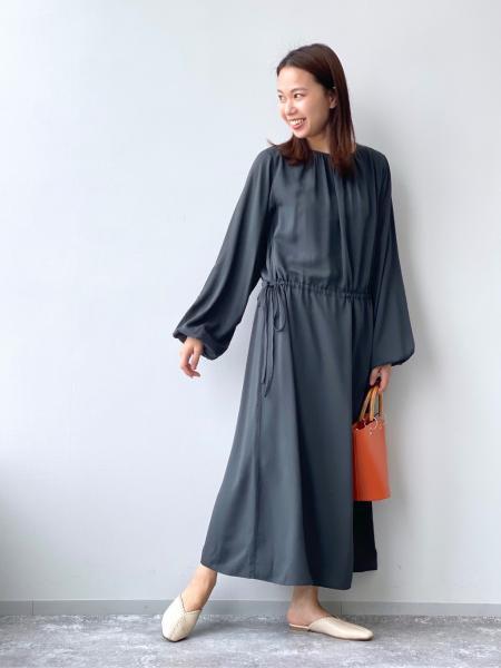 LAKOLEの(W)ステッチスライドサンダルを使ったコーディネートを紹介します。|Rakuten Fashion(楽天ファッション/旧楽天ブランドアベニュー)1108641